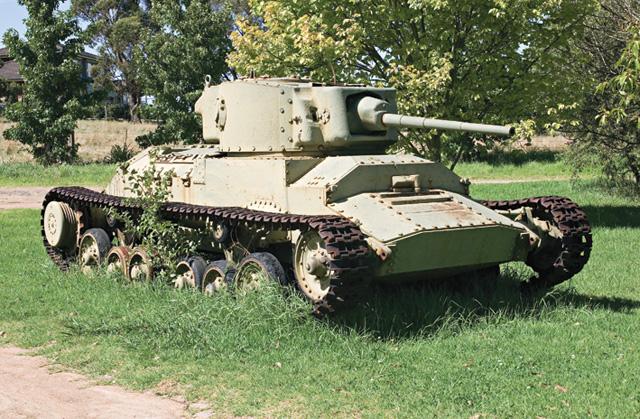 Fotos - World W... Ww2 Sherman Tanks For Sale