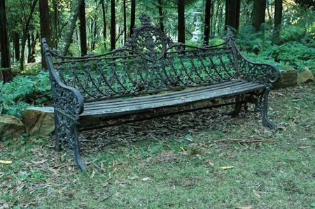 Superbe Victorian Cast Iron Gardenu2026