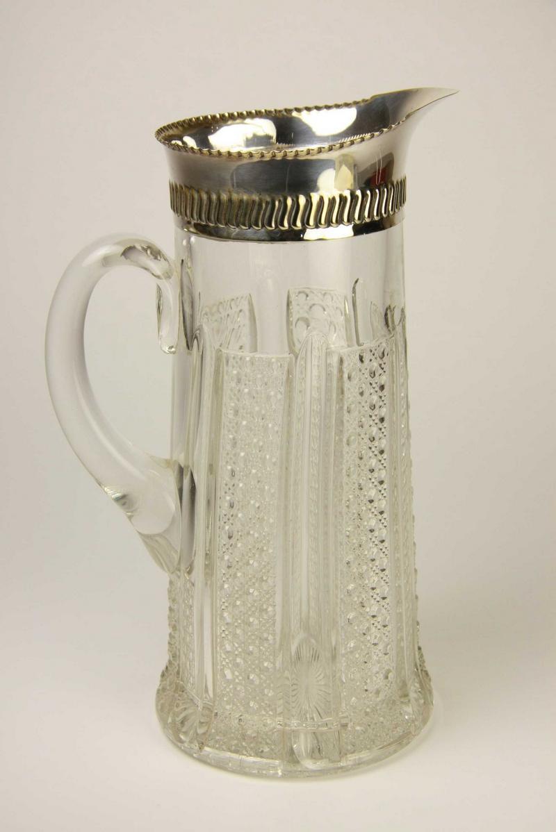 Handled Vase | treasured pottery & ceramics