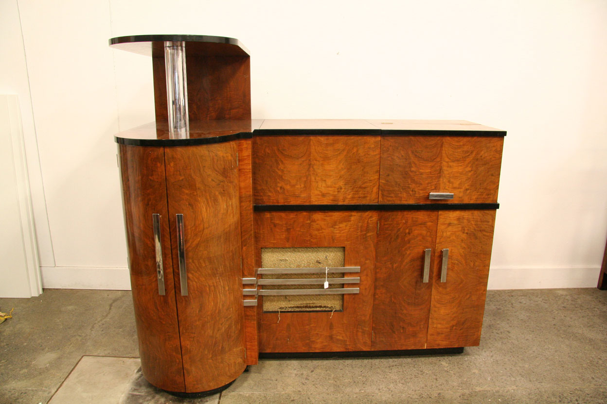 An art deco stereogram cocktail antiques modern for Built in drinks cabinet