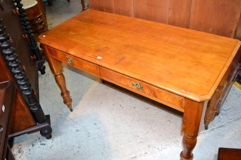 Huon Pine Side Table/desku2026