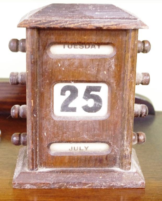 Antique timber desk calendar… - Antique Timber Desk Calendar… - Antiques, Stamps, Art & Collectables