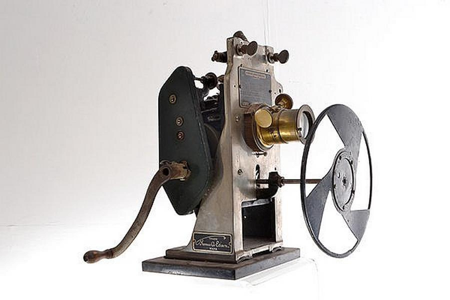 A Edison Projecting Kinetoscope… - Collectables Auction