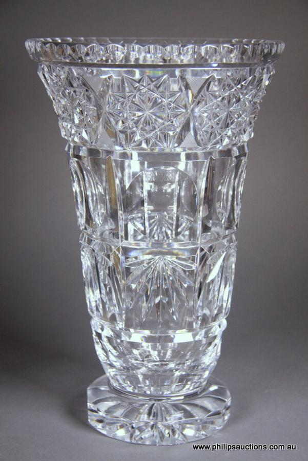 A Large Crystal Vase The Fine And Decorative Arts Philips